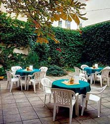 hotel-dalimil_garden