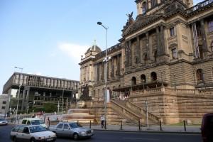 nationalmuseum_parlament_prag