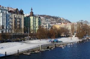 prag-moldau-vinter