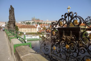 karlsbroen_nepomuk_prag-300x200
