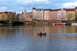 Rasinovo kajen, Moldau i Prag