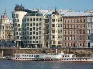 Prag Dansende Hus og hjuldamper