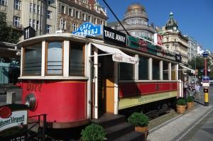 cafe tramvaj prag
