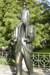 Prag, statue af Franz Kafka i Josefov