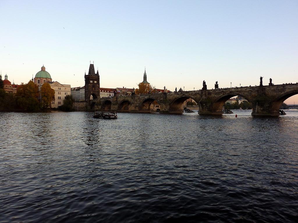 prag bådtur karlsbroen