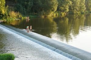 i gå afstand fra sommerhus kan man dybde sig i floden